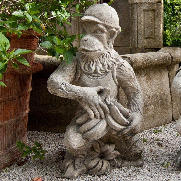Le Singe Banana Statue