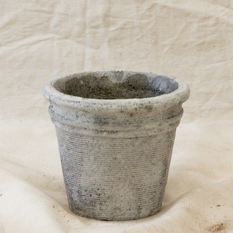 Metallic Ridged Pot