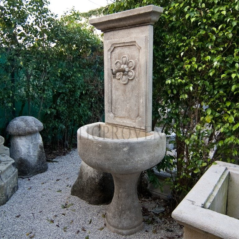 Fontaine Salernes