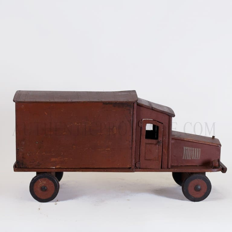 20th Century French Vintage Dark Red Wooden Truck Model – Table Décor