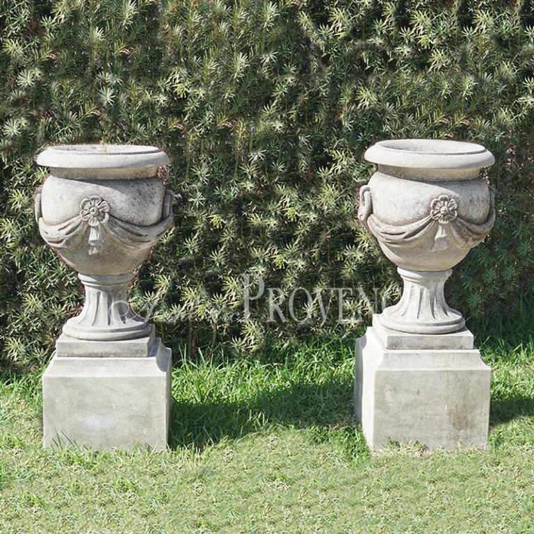 Pair of Pinerolo Urns