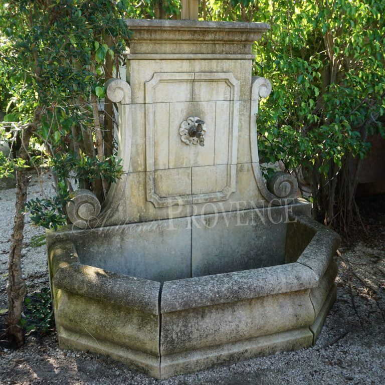 Fontaine Eve