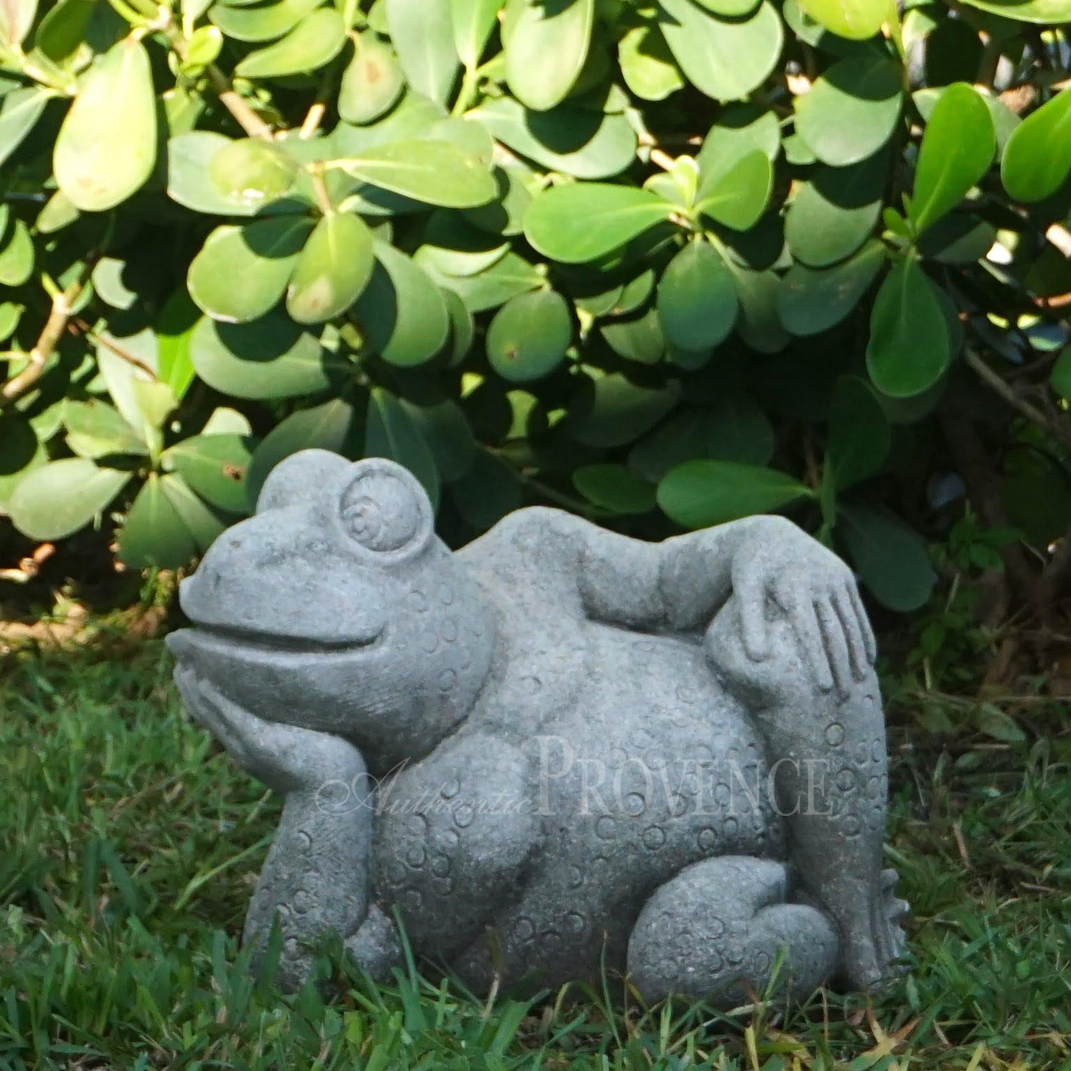 La Rana Relax Statuette