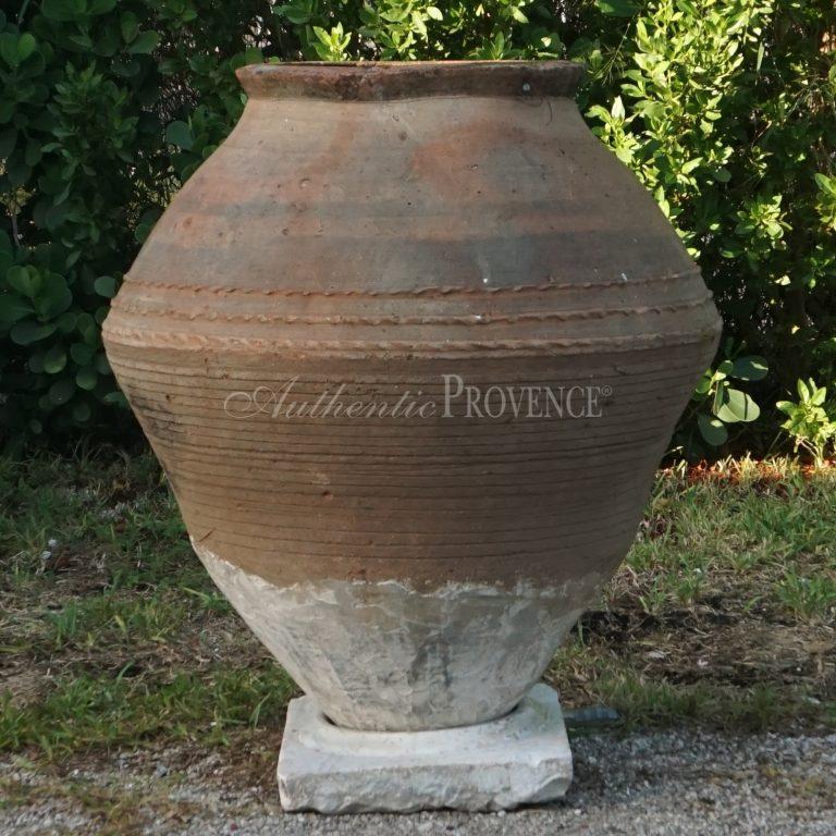 Kamena Jar