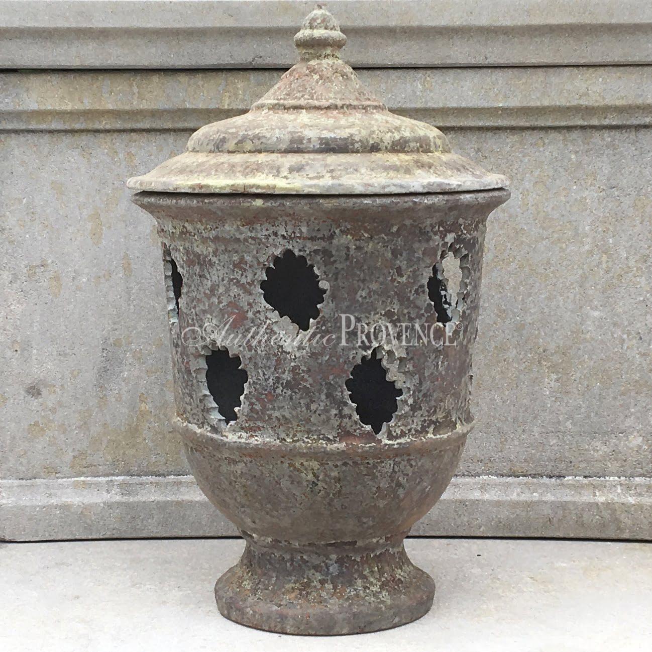 Garden Lantern Pierre
