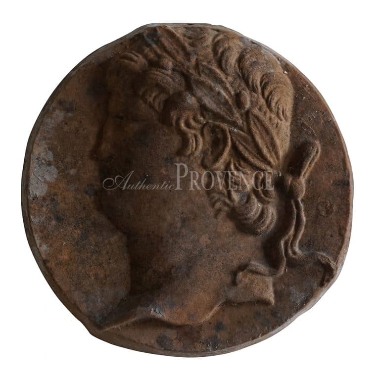Nero Medallion Relief