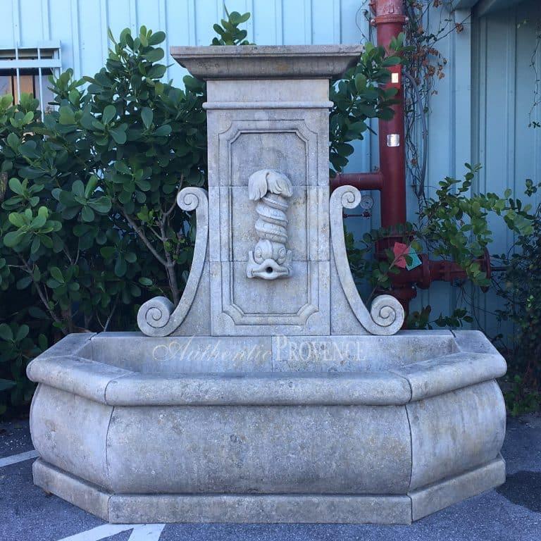 Fontaine Dauphin