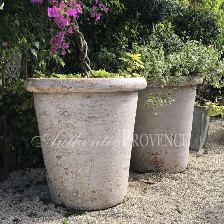 Pair of Planters Bez