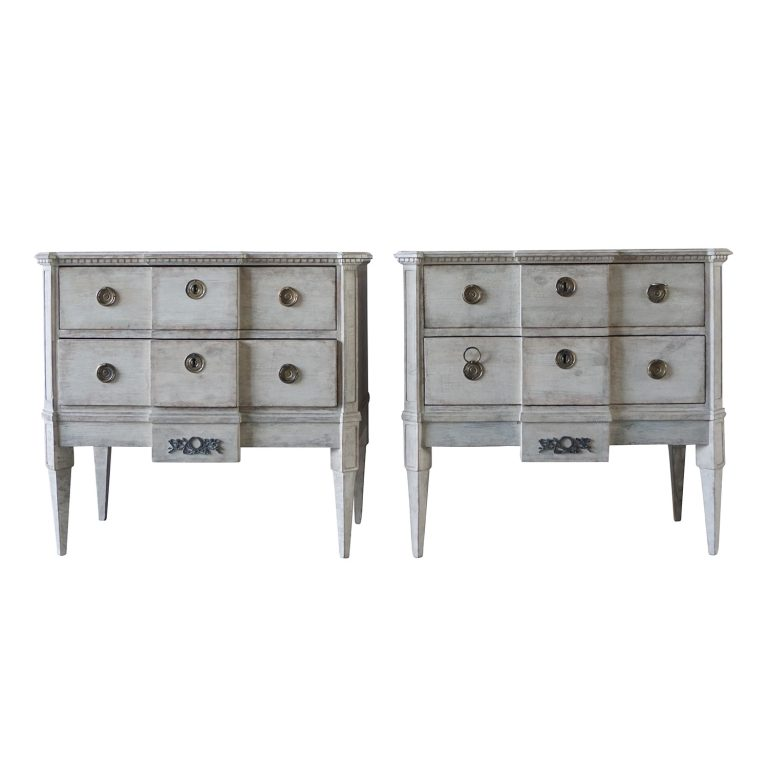 19th Century Grey Swedish Gustavian Pinewood Pair of Breakfront Neoclassical Commodes