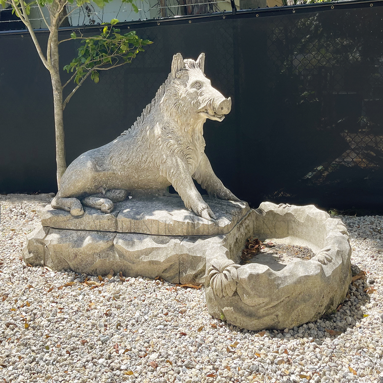 Cinghiale Statue