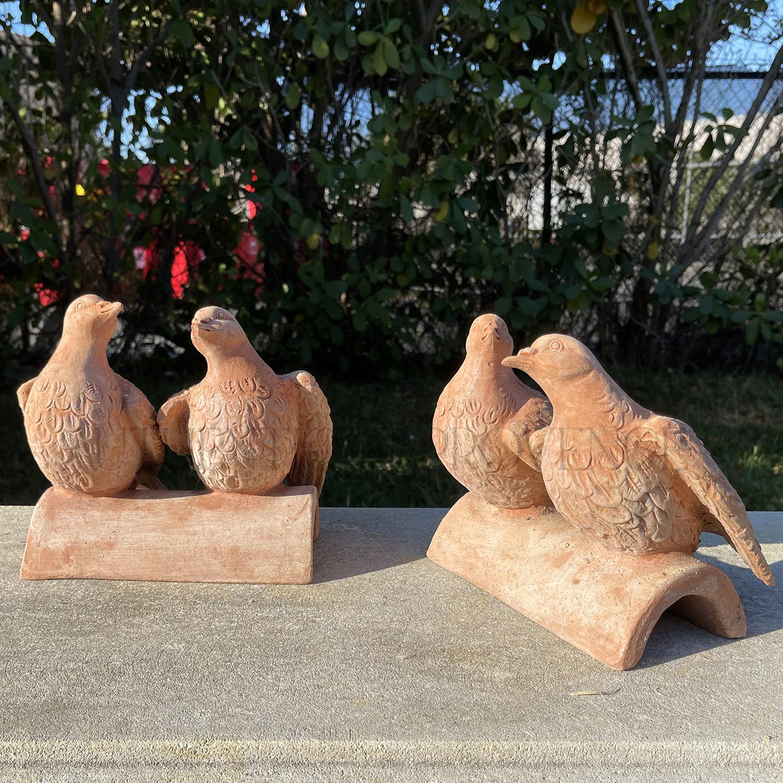 Pair of Pigeons Tile