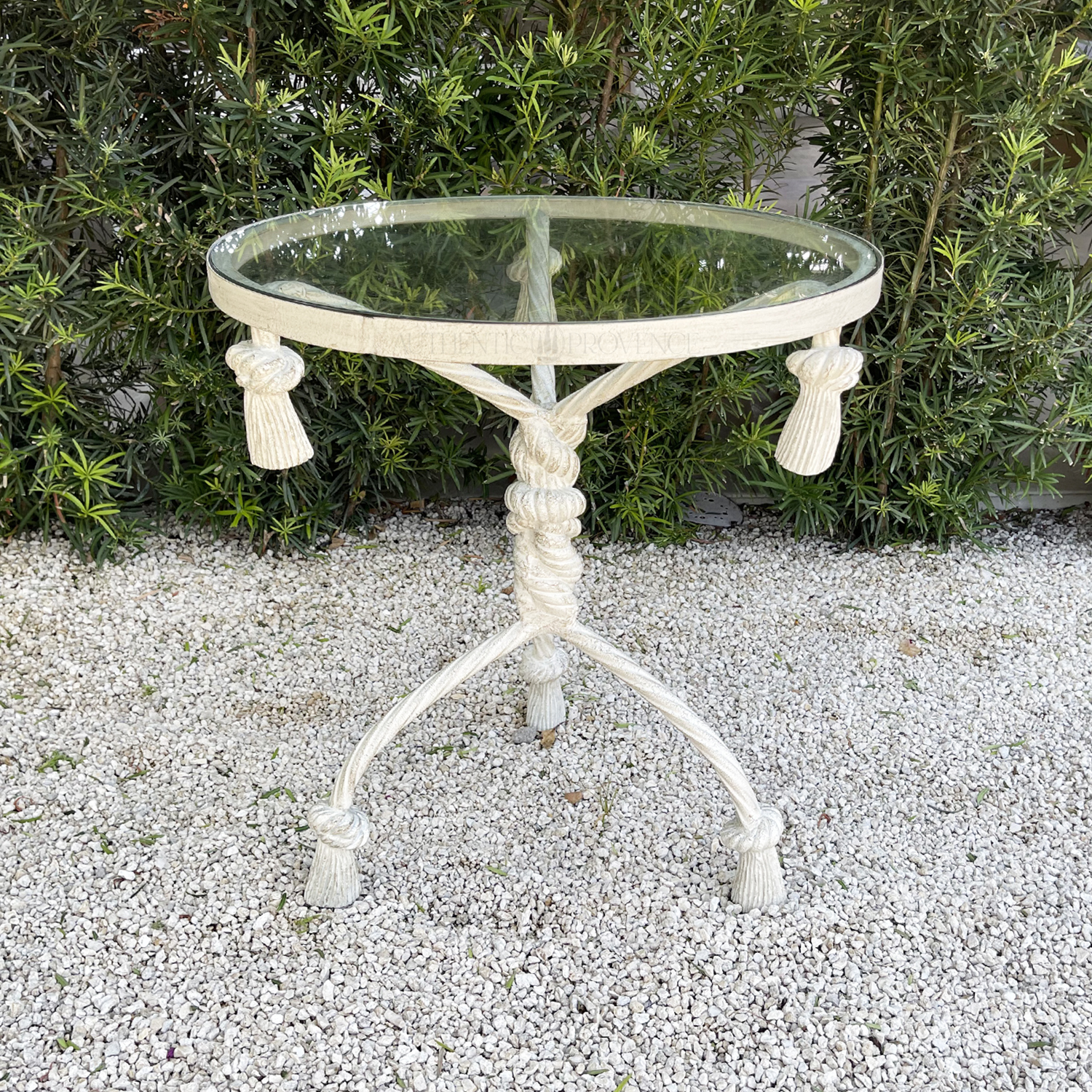 Table Jeanne